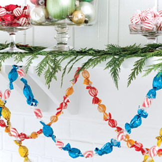 Name win holiday decorations for the home shespeaks here are a few simple do it yourself ideas that can help brighten your home solutioingenieria Choice Image