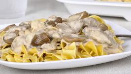 Leftover Turkey Stroganoff with Mushrooms &…