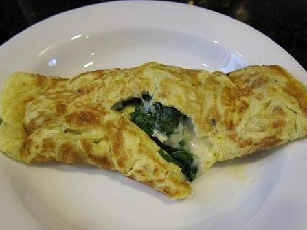 Spinach, Feta, and Tomato Omelette