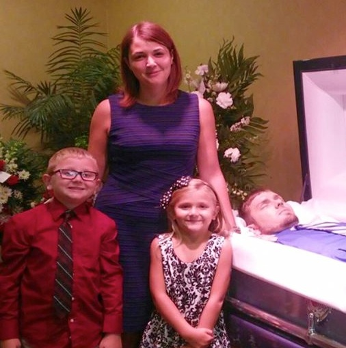 Widow Shares Unusual Photo From Husband's Funeral To Raise Awareness About Drug Addiction