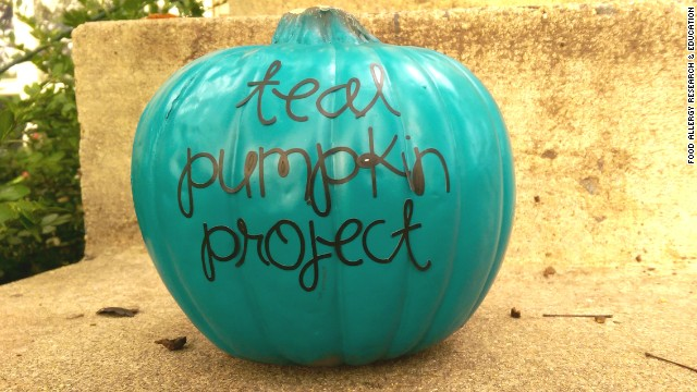 How Teal Pumpkins Can Mean Safer Trick-or-Treating For Kids With Food Allergies