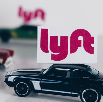 Lyft Offers Free Rides for C…