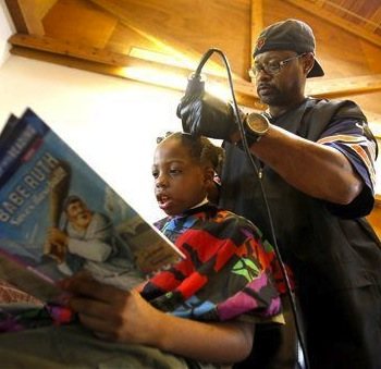 Iowa Kids Pay For Back-To-School Haircuts By Reading To Their Barber