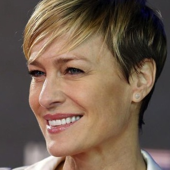 How Actress Robin Wright Demanded Equal Pay and Got It