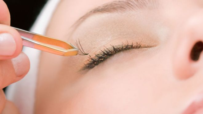 Are Long Lashes Worth the Risks?