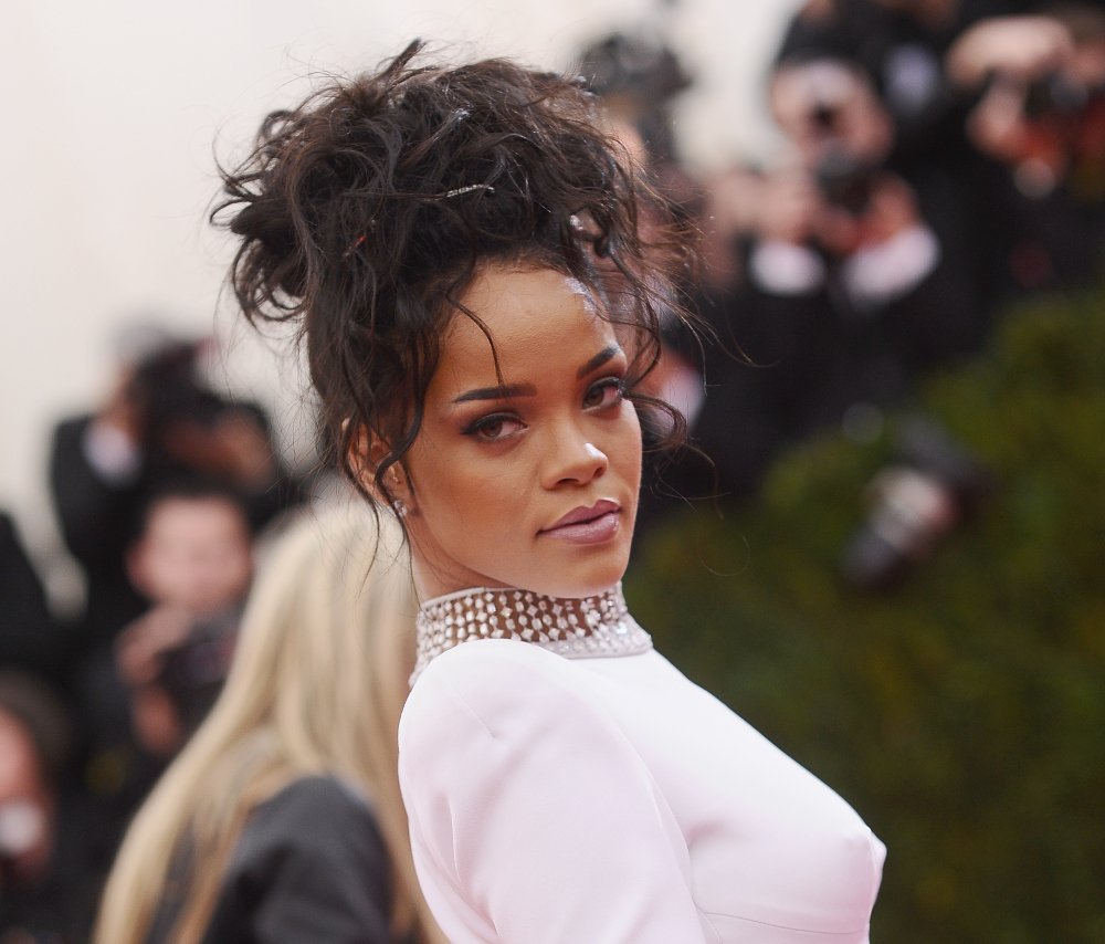 Rihanna Responds to CBS Sports Pulling Her Song Last Week