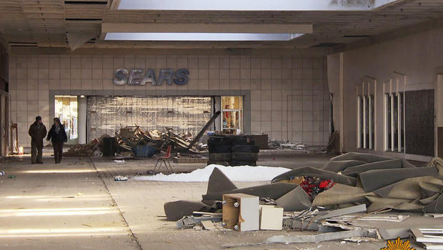 Will American Shopping Malls Survive the Next Decade?