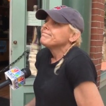Restaurant Owner Screams At Crying Toddler: Whose Side Are You On?