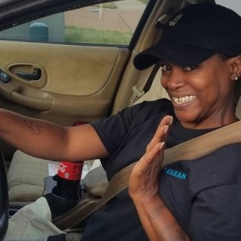 Tennessee Woman is Gifted With a Car When Co-Workers Learned of Her Tedious Commute