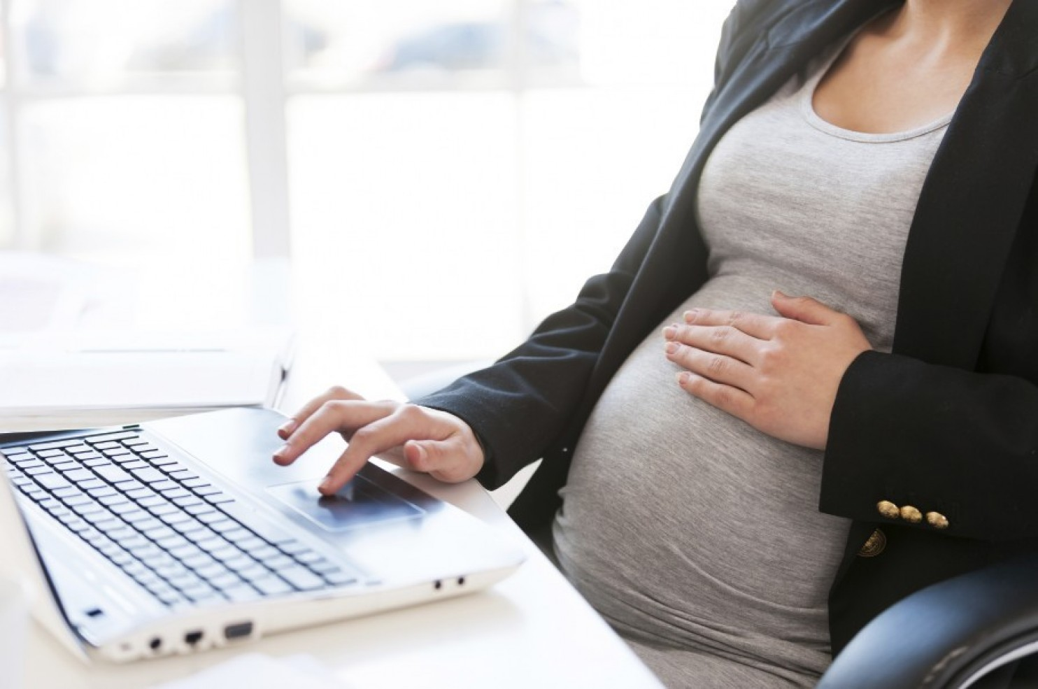 Should Employers Be Required To Accommodate Expecting Moms?