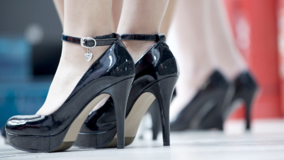 Cocktail Waitresses Unite Against High Heel Policies
