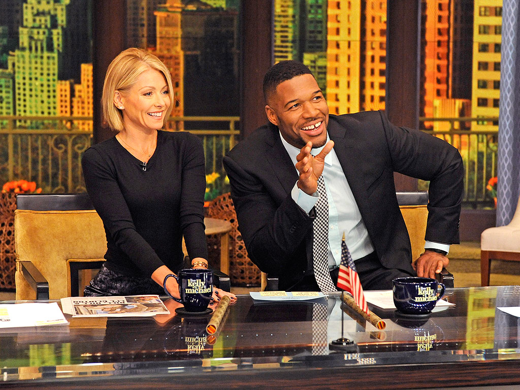 Michael Strahan Strips Down For Magic Mike Sequel