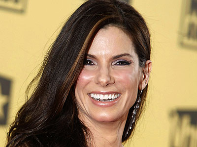 Sandra Bullock's Christmas Dinner Tradition That Breaks the Law 'a Little'