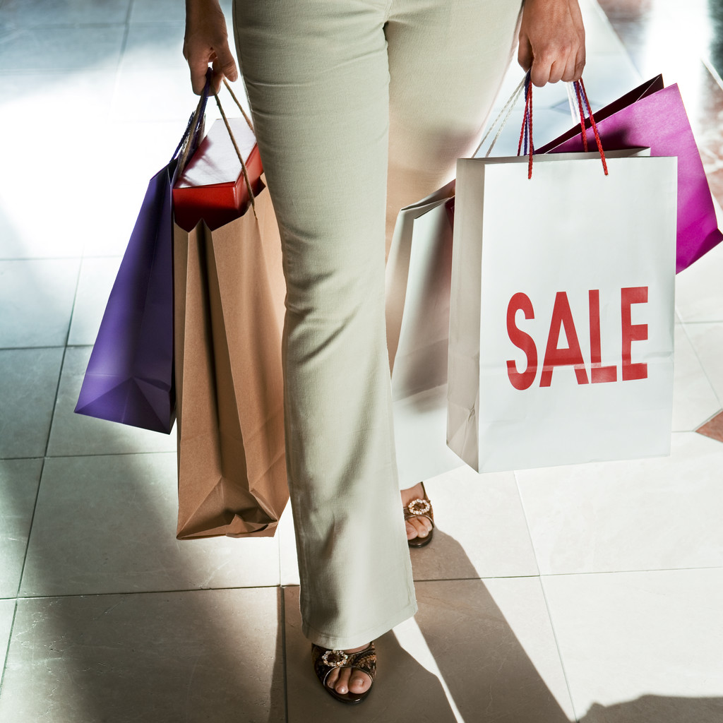 Why You Should Stop Shopping in October and Other Holiday Bargain Tips