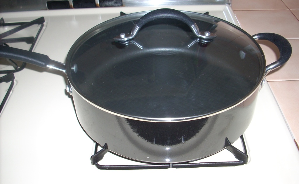 Better Homes and Gardens 5 Qt Porcelain Aluminum Covered Skillet