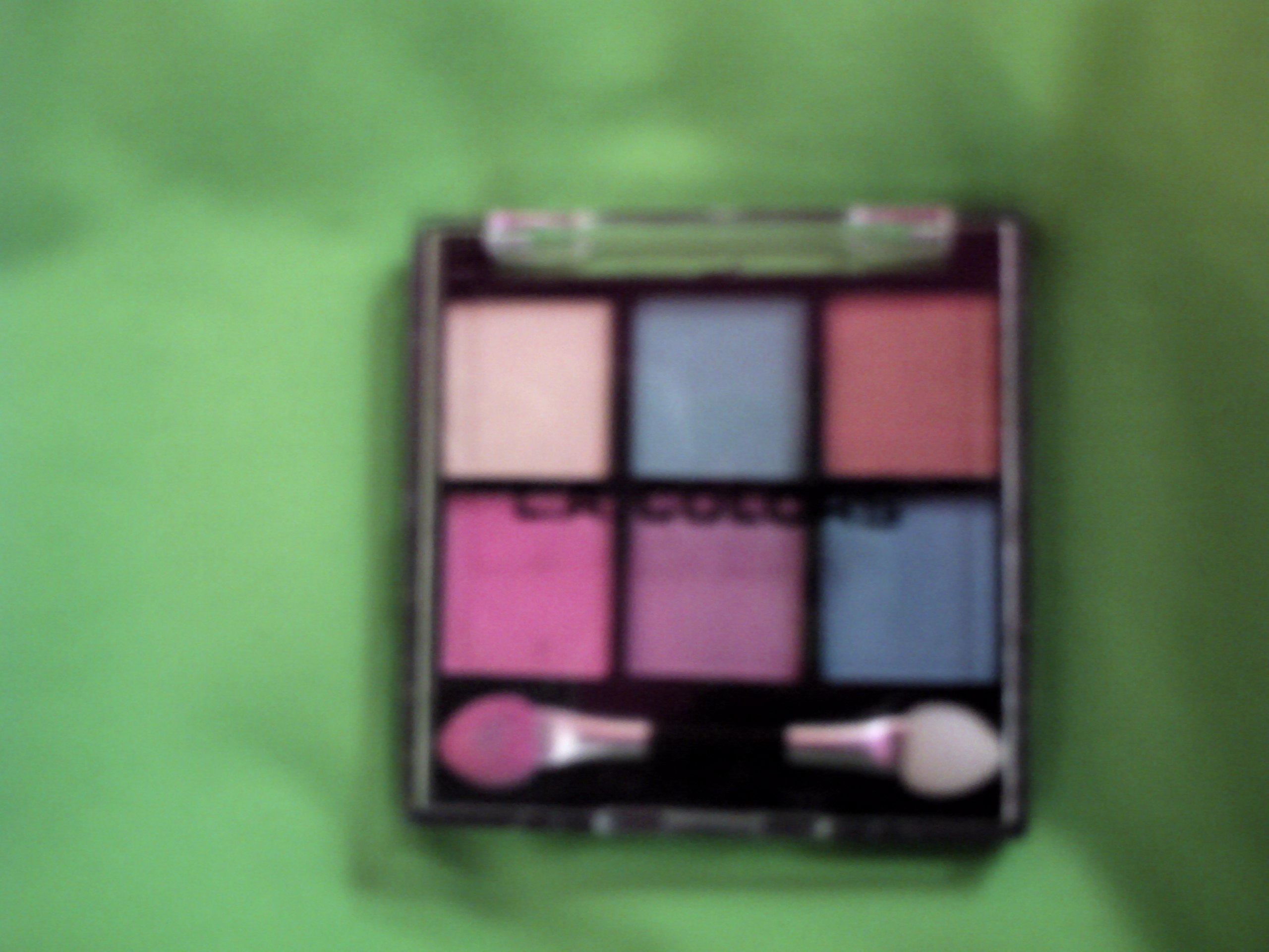 L. A. Colors 6 Color Metallic Eyeshadow in Eye Candy