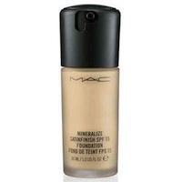 MAC Mineralize Satinfinish SPF 15