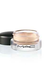 MAC Studio Sculpt Concea…